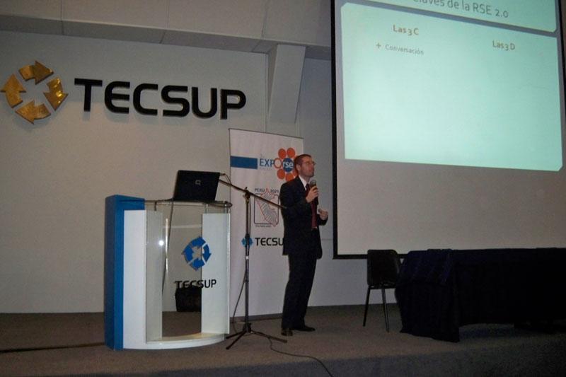 RSE 2.0 y la generación de valor a través del Social Media, en la Expo RSE Región Sur - Arequipa