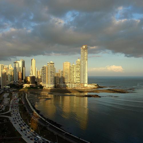Estudio sobre la RSE en Panamá OpinaRSE 2010