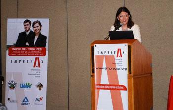 Patricia Debeljuh hablando de Conciliación Trabajo Familia en El Salvador