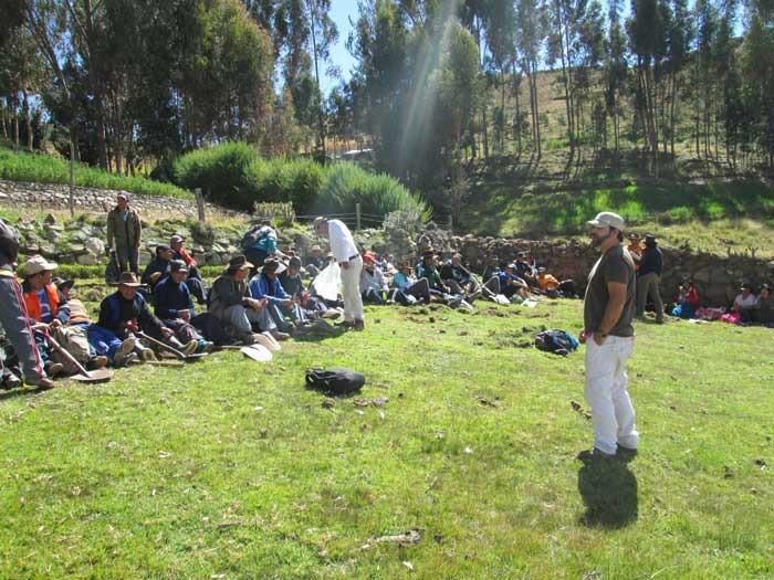 William Quea en trabajo con las Comunidades de Perú